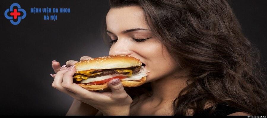 Ăn uống bất hợp lý ảnh hưởng lớn tới sức khỏe
