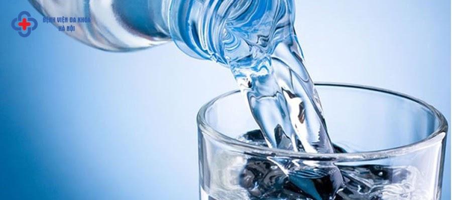 Nên tăng cường uống nhiều nước