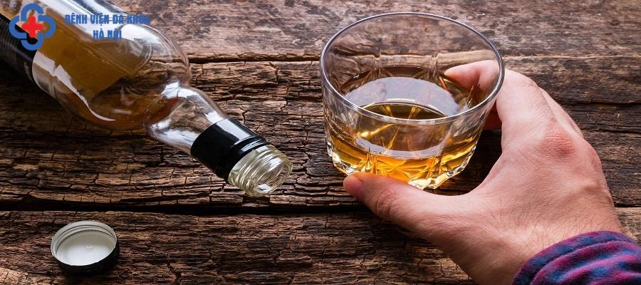 Đồ uống có cồn ảnh hưởng tới quá trình hồi phục sau điều trị tán sỏi niệu quản