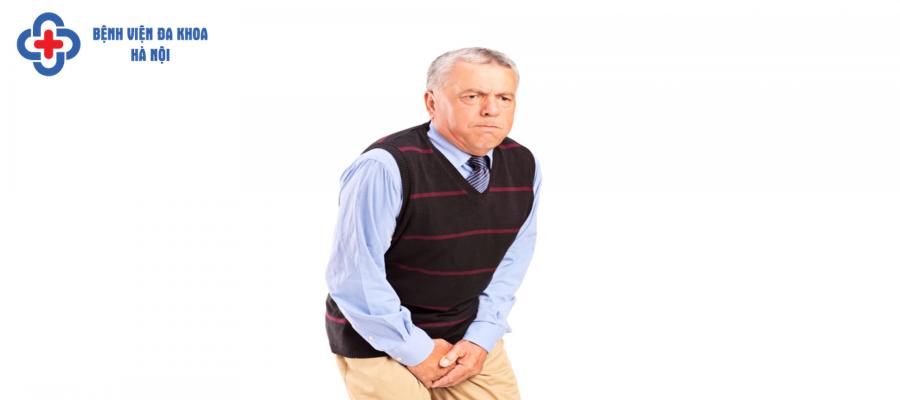 Tiểu không kiểm soát thường xuất hiện ở người già